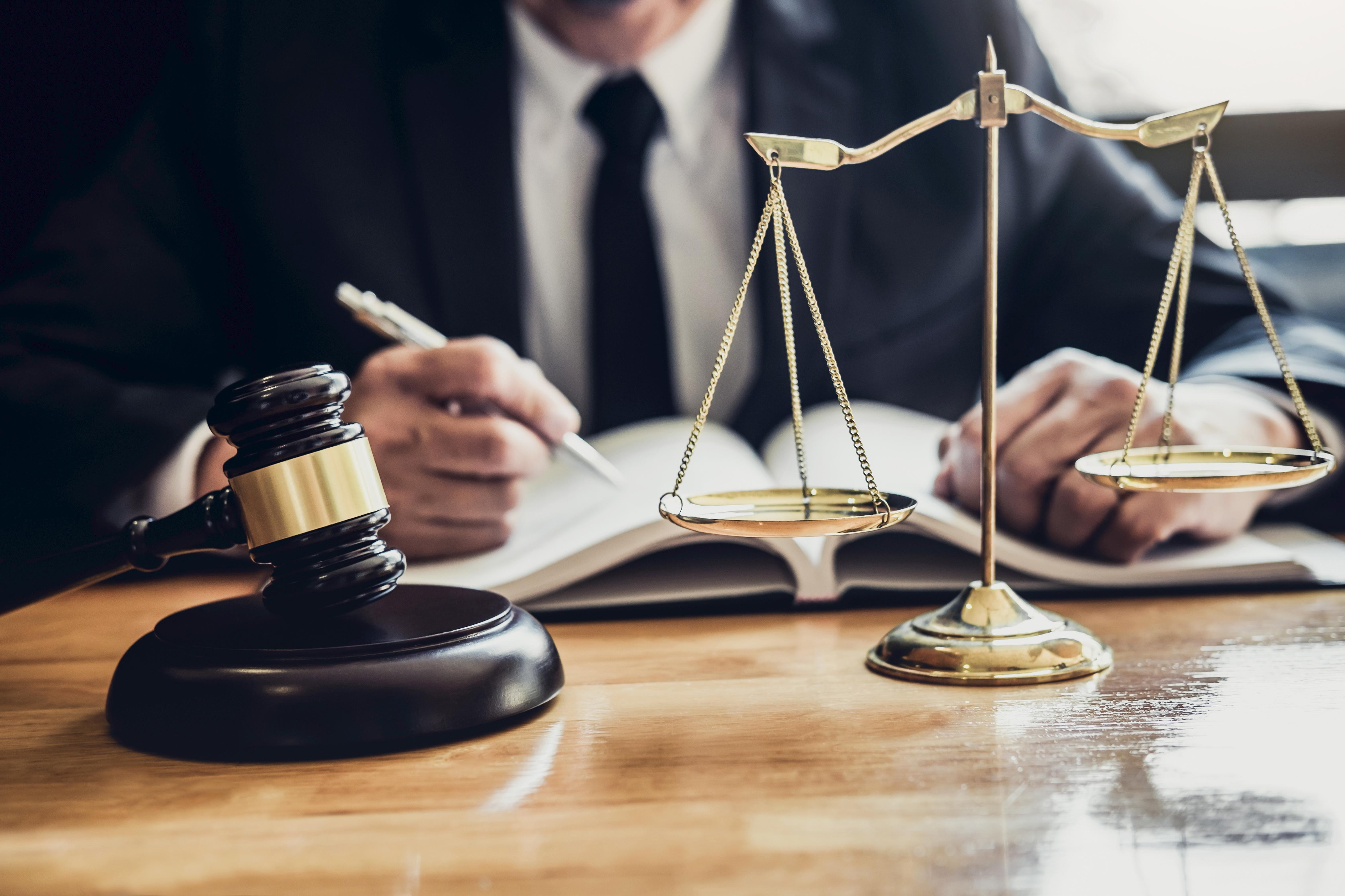 Derek R Adkins: How do YOU Choose a Lawyer?
